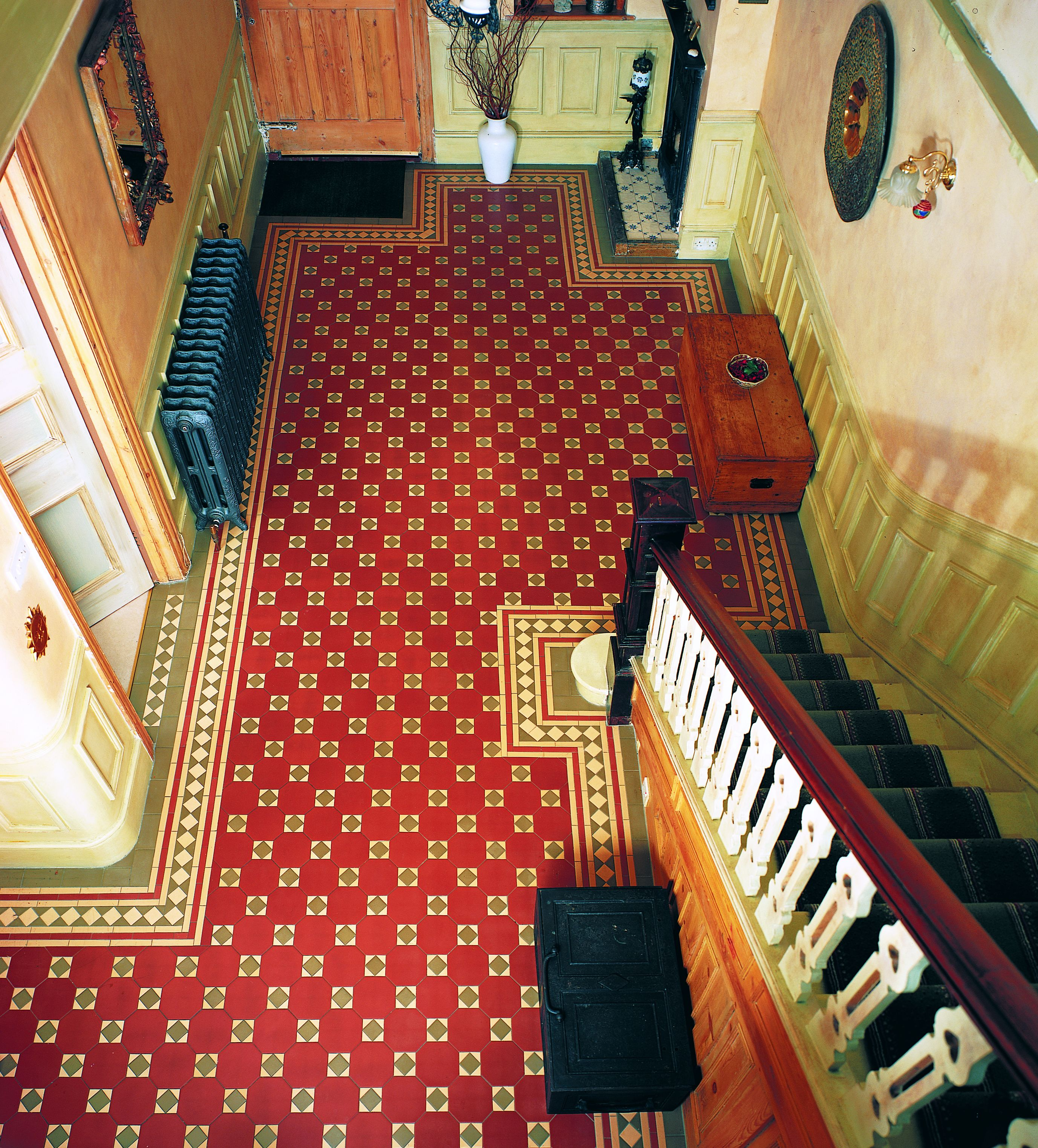 ... Original Style   Victorian Floor Tiles   Arundel Pattern With Modified  Bronte Border ...